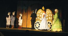 Cinderella's Carriage – Cinderella (2012). photo by Suzi Bond, courtesy KDEN